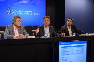 El equipo económico presenta las metas fiscales, Sebastian Galiani, el ministro Dujovne y Rodrigo Pena.