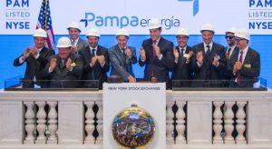 Los directivos de Pampa Energía fueron invitados por las autoridades de la Bolsa de Valores neoyorquina para tocar la campana con la que se inició una de las ruedas bursátiles en Wall Street.