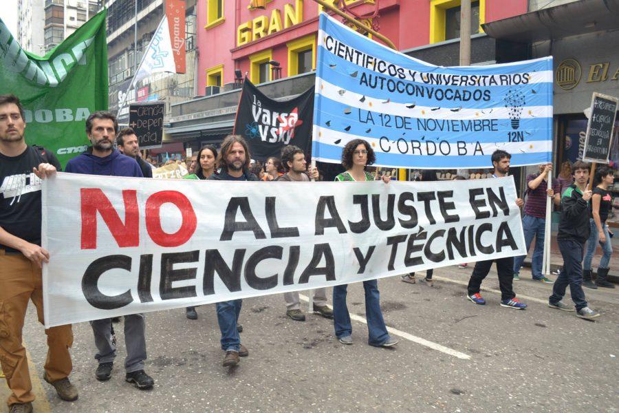 no_al_ajuste_en_ciencia