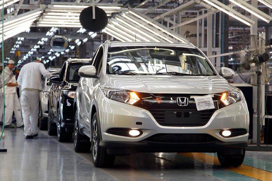 zzzznacp2NOTICIAS ARGENTINAS BAIRES, JULIO 3: ARCHIVO. La producción nacional de  vehículos subió un 6,3% en junio con relación al mismo mes del año  pasado, y las ventas al mercado interno crecieron más del 15%,  informó esta tarde la Asociación de Fábricas de Automotores  (ADEFA). FOTO NAzzzz
